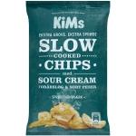 KiMs Slow Cooked Chips med Sour Cream, Forårsløg & Sort Peber